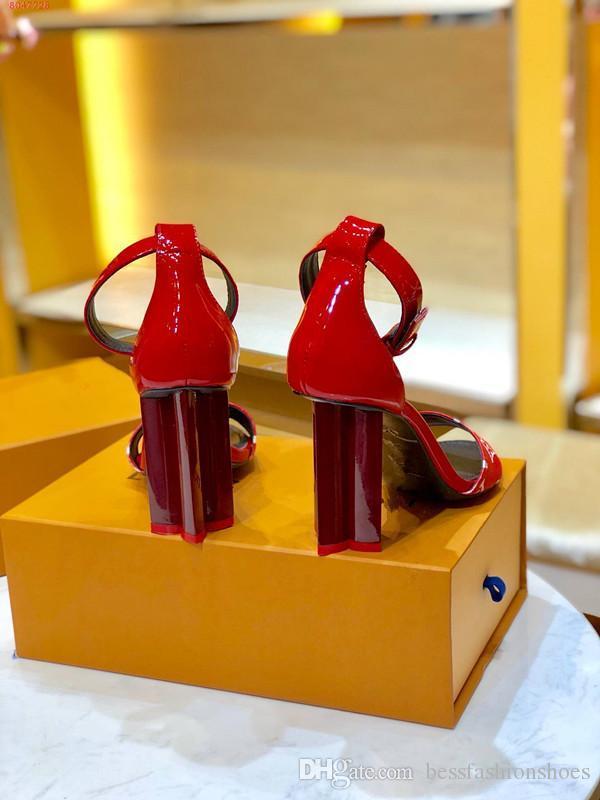 الأحمر الأسود الزفاف حفلة موسيقية حزب اللباس الصنادل المرأة مطبوعة الصيف مكتنزة صنادل كعب الجلود سيدة 10cm وأحذية عالية الكعب أزياء أنثى