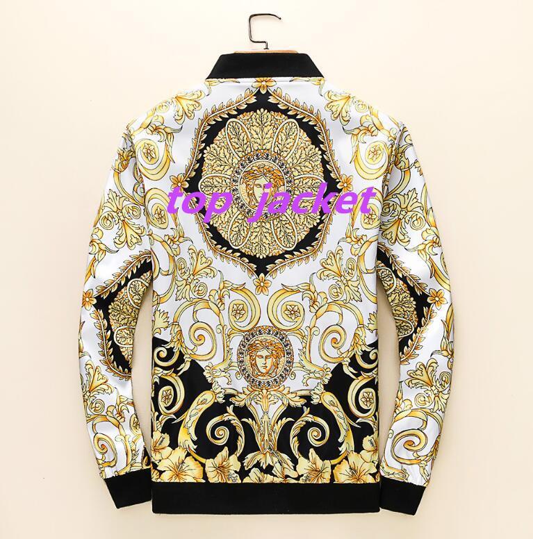 최근 국제 유명 남성 재킷 저장소는 M-4XL 스웨터 고품질의 코트 패션 후드 트렌치 코트와 셔츠를 판매