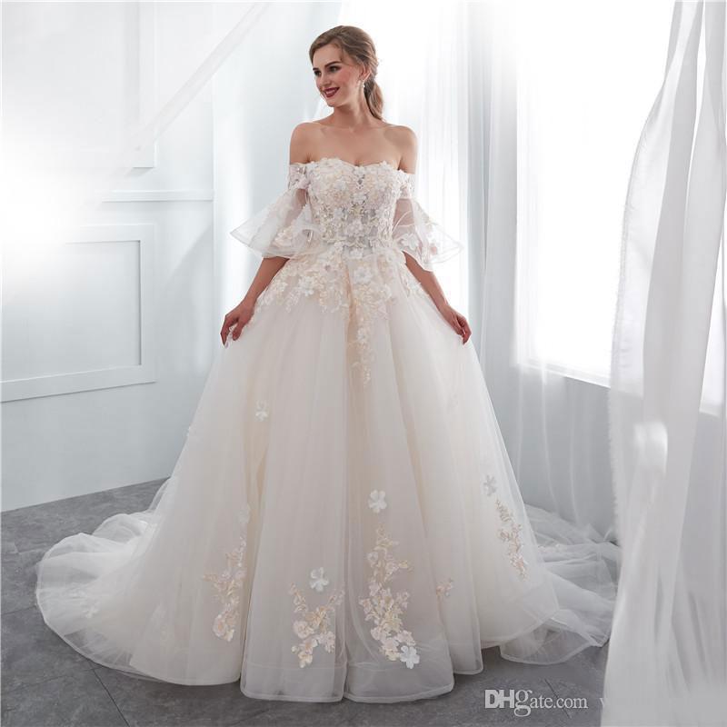 Элегантные линии, бисером Свадебные платья с рукавами Половина 3D Цветочный аппликация Свадебные платья Тюль Sweep Поезд халат де mariée