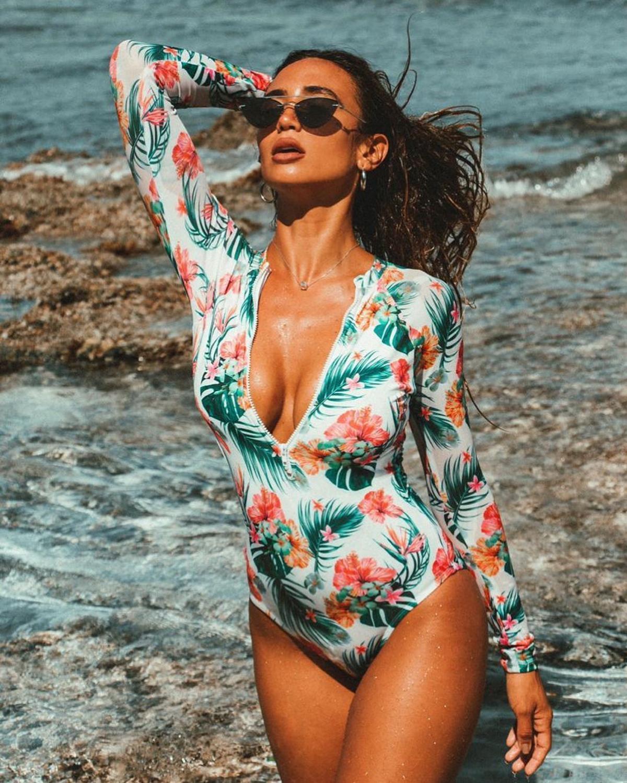 2019 New Long Sleeve Swimwear Women One Piece Swimsuit Backless Monokini Print Beachwear Sexy Bathing Suit Female traje de bano