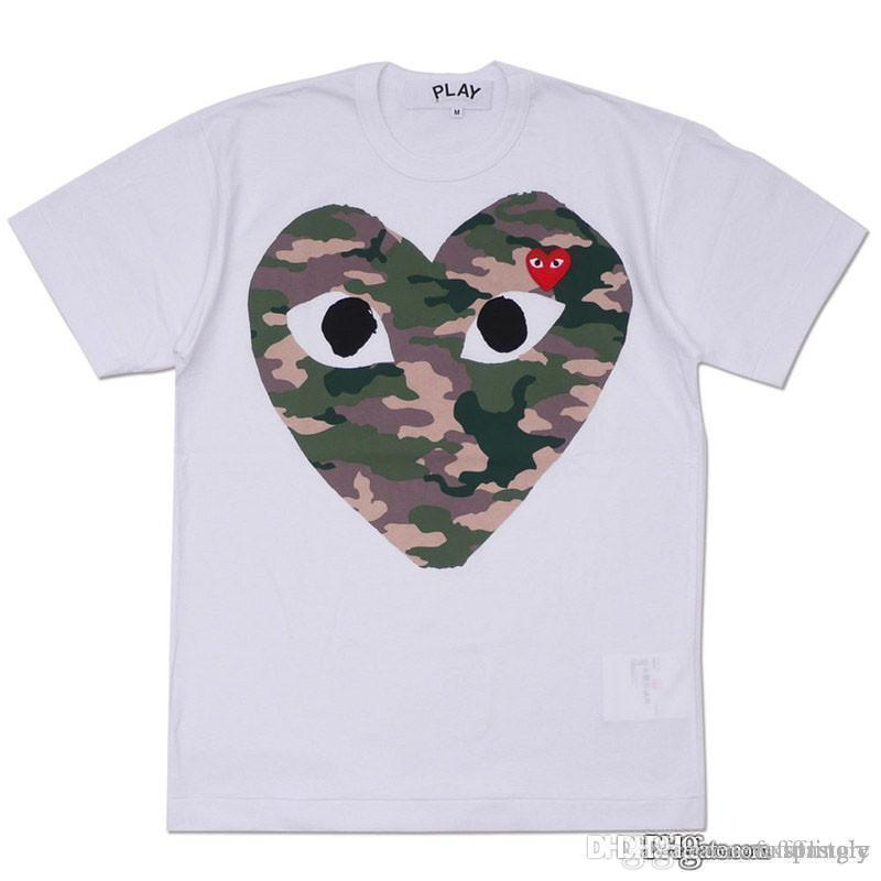 2018 Melhor Qualidade Hot HOLIDAY Coração Emoji Jogue Japonês Camuflagem Camo Coração Cinza Branco T Shirt Das Mulheres Dos Homens