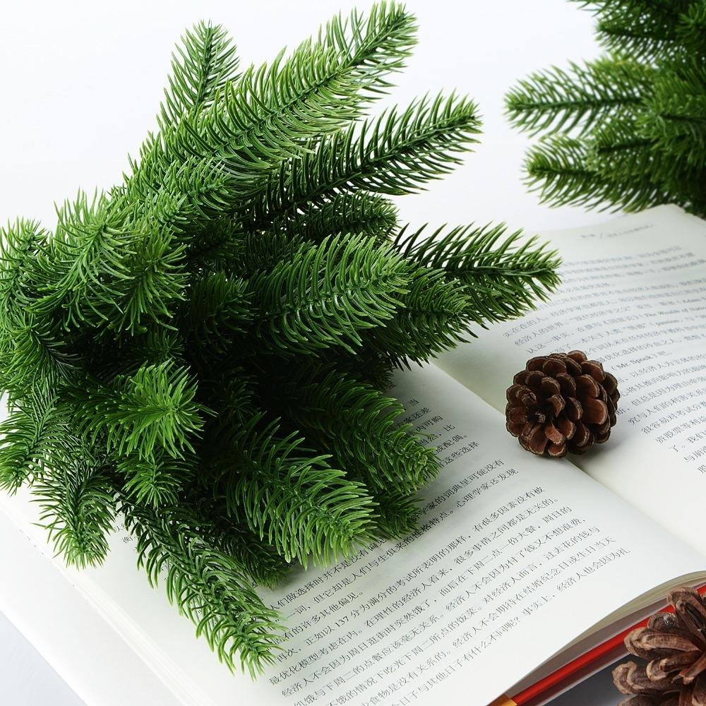 50pcs DIY Craft Wreath Artificial Pine Tree Branches Plastic Pine Leaves for Christmas Party Decoration Faux Foliage Fake Flower SH190920