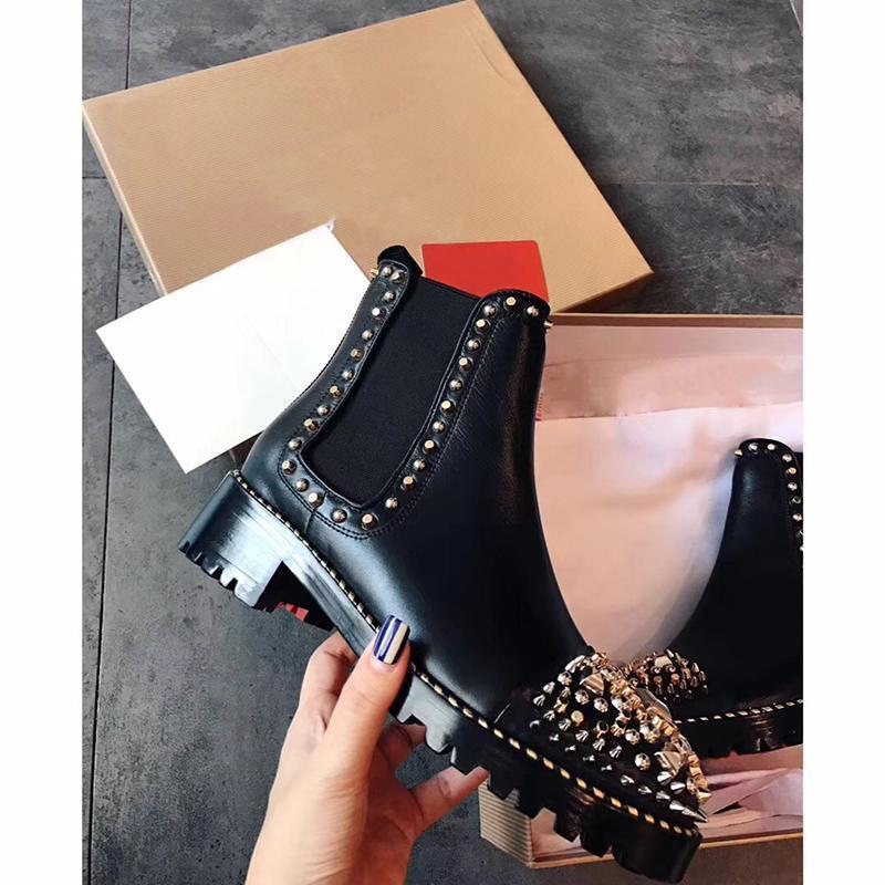 Negro Nueva tobillo botines del invierno de las mujeres atractivo de los puntos rojos botas planas zapatos de fondo genuino del cuero de metal botas de diseño Casual Tamaño 35-40