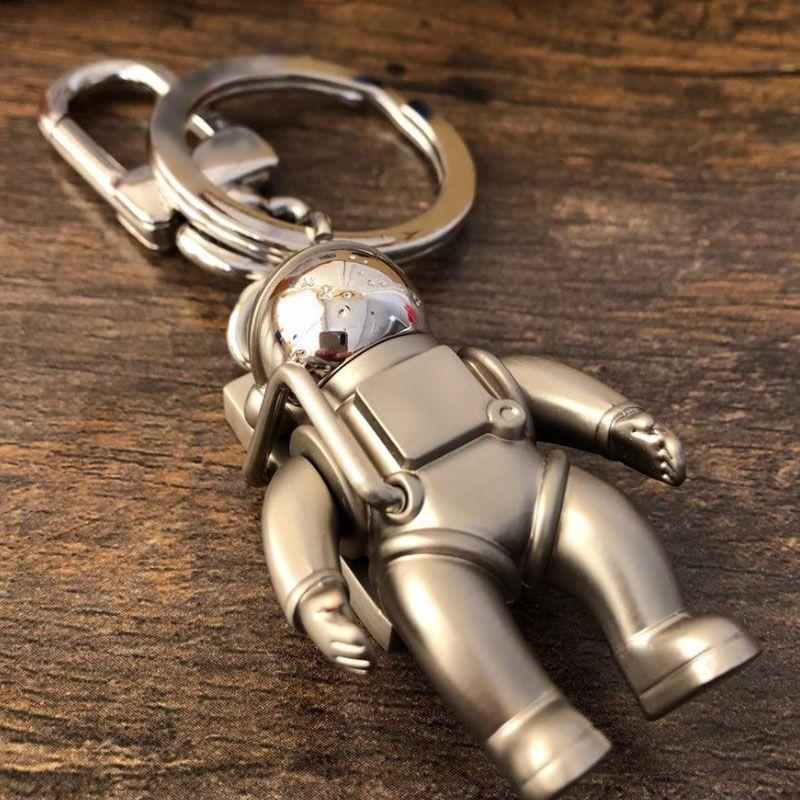 Accesorios para el llavero de Spaceman Accesorios para llaveros de diseñador de autos de moda Accesorios para hombres y mujeres Caja colgante Llaveros de embalaje