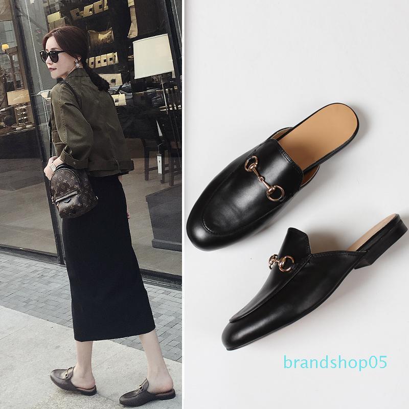 2019 cuir mocassins chaussures pantoufle Muller avec boucle Mode féminine pantoufles Princetown Avslappnad Mulets Flats New Livraison gratuite
