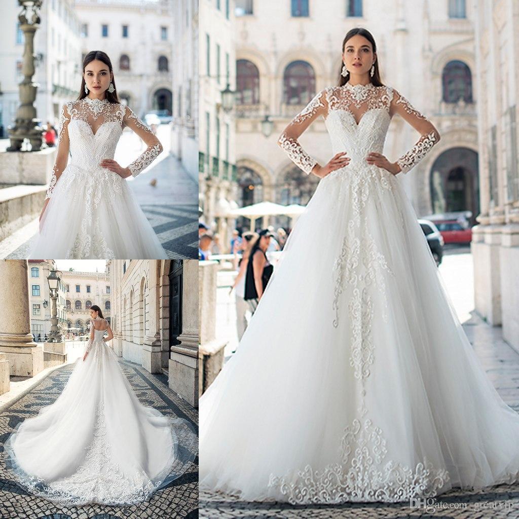 Oksana Mukha 2019 Blanc Robes De Mariée À Lacets Appliques Perles Manches Longues Balayage Train Robes De Mariée Plage Robe De Novia