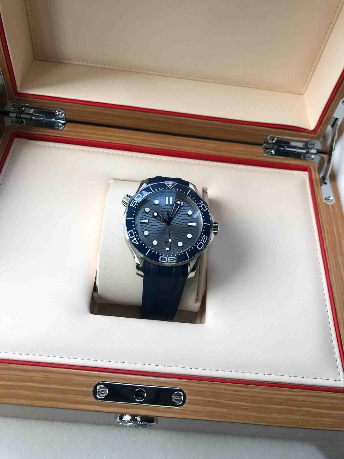 Luxus 2019 neueste Mens Uhren Professionelle 300 m James Bond 007 50th Anniversary Schwarz Blau Zifferblatt Dial Uhren Automatik Uhr Men #