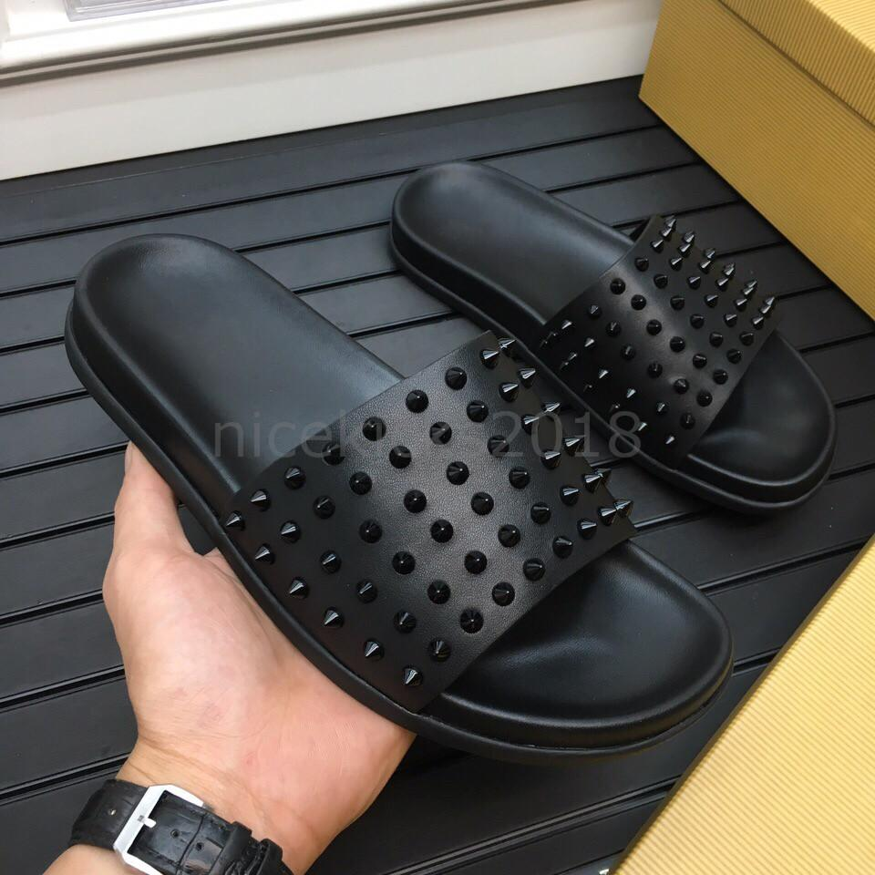 Uomo in pelle Pantofole donna Red Bottoms Spikes Ladies Beach Slipper Tide maschio Pantofole antiscivolo Scarpe uomo Casual