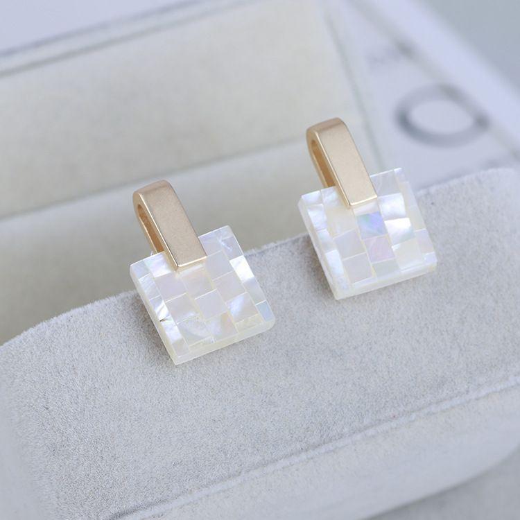 Мода-Шарм падение серьги с природой белый Сплайсированные оболочки в 2,5 см для женщин свадебные украшения подарок бесплатная доставка PS6746