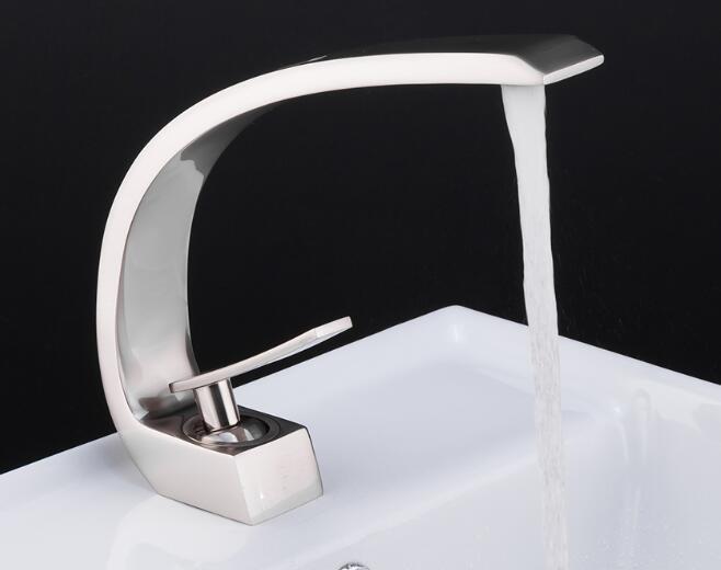 Новая ванна Смеситель для раковины Латунь Хром Смеситель Кисть Никель Раковина Смеситель Смеситель для горячей и холодной воды Смесители для ванной