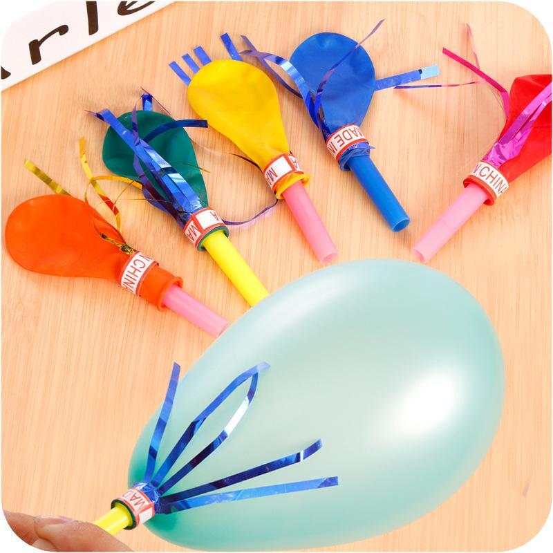 1 Karton = 5000 adet Püskül Düdük Balonlar Bebek Oyuncakları Doğdun Partisi Düğün Komik Hediyeleri Süslemeleri Çocuk parti malzemeleri Rastgele Renk