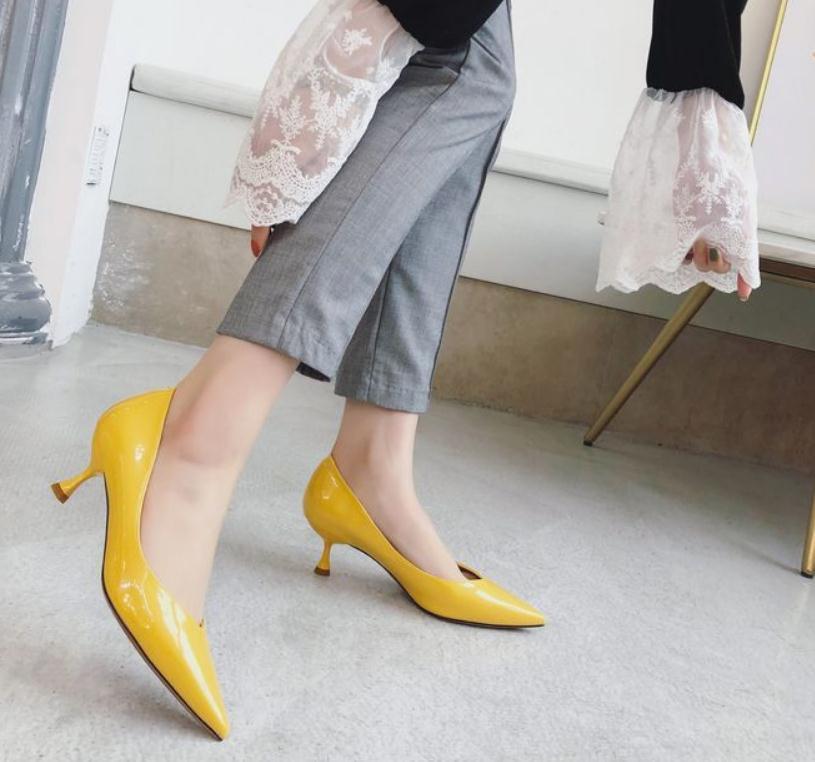 2020 весной и осенью с обувью Нового стиля моды Среднего каблук заостренного конца женщинами в @ MQWBH718