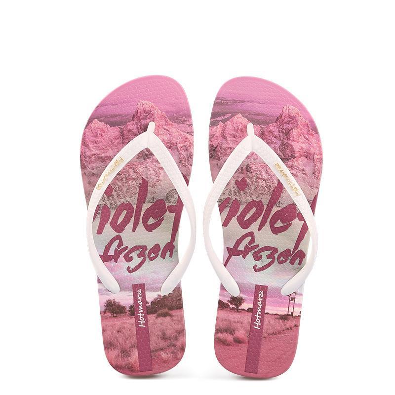 2020 Verão chinelos sandálias femininas New estilo versátil e chinelos fora desgastado no verão, com sandálias de calcanhar plana praia antiderrapante fixados