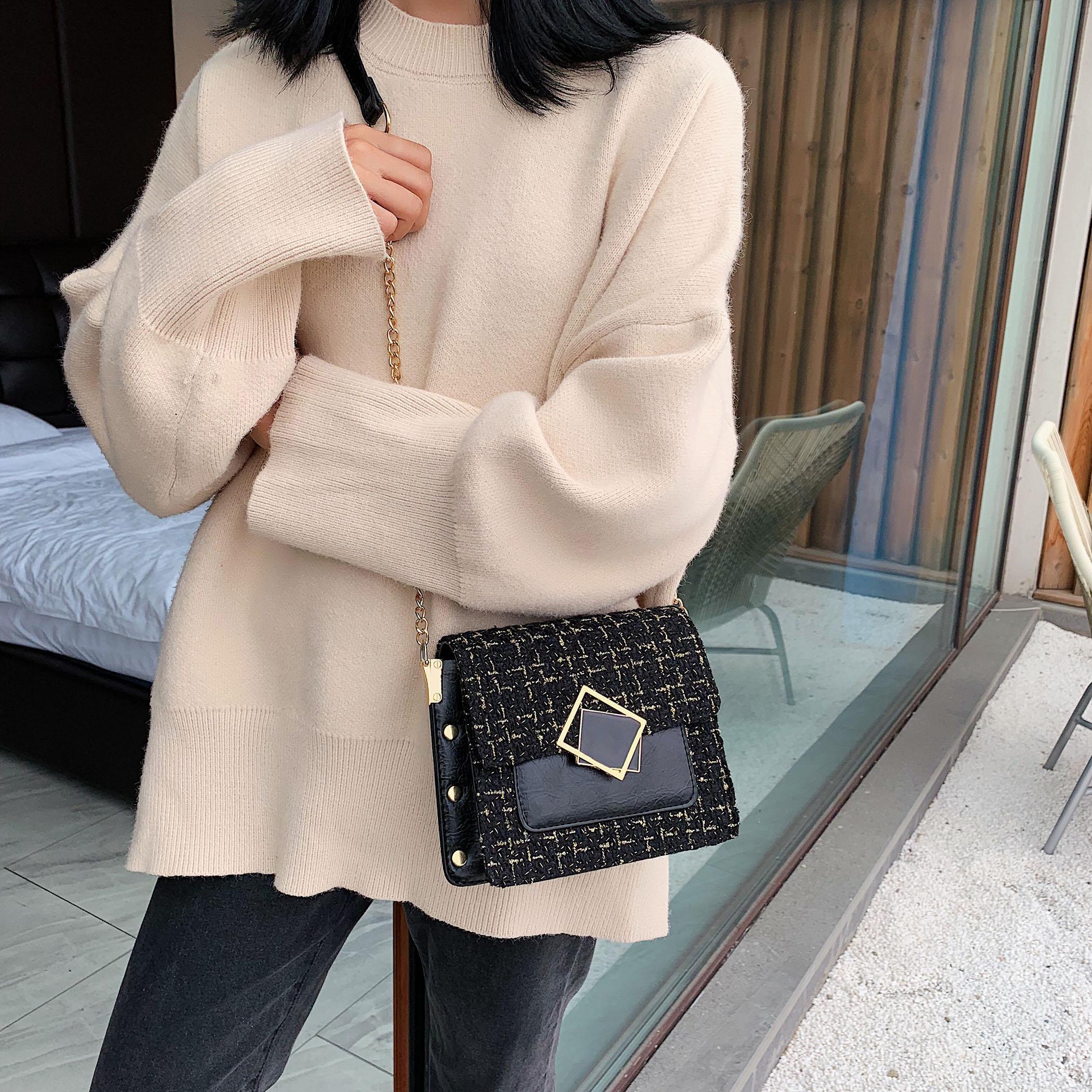 Hairy Crossbody empaqueta para las mujeres 2020 de invierno Pequeño mensajero del hombro del bolso de la señora de cadena de cerradura Bolsos Mujer Bolso de mano