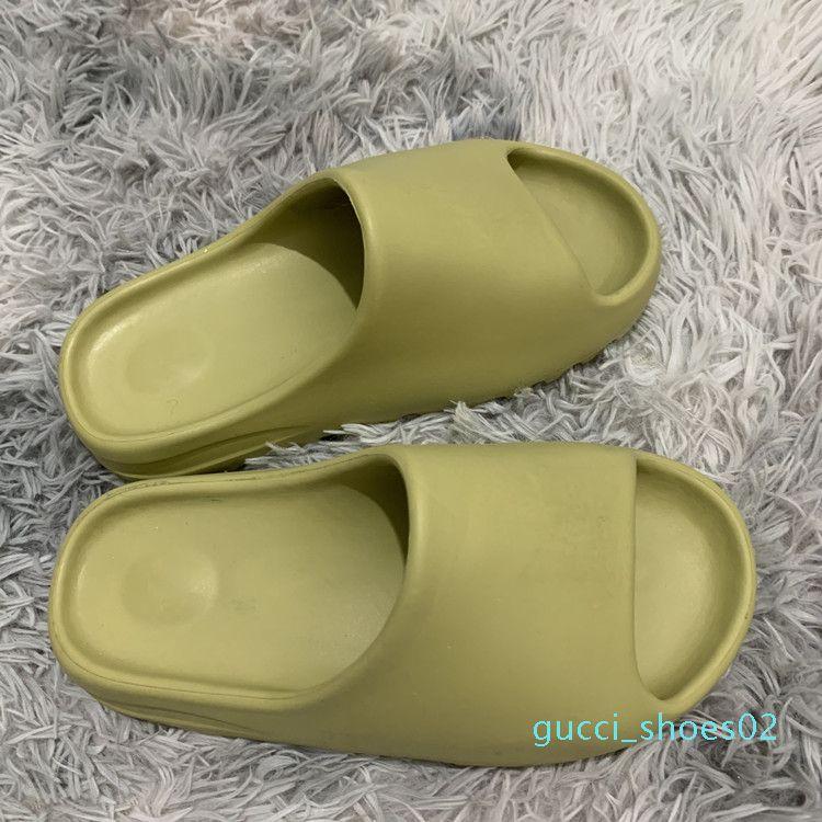 Sıcak Moda Kanye Köpük Runner tasarımcı terlik Kemik Çölde Kum Reçine üçlü siyah moda slaytlar erkek plaj otel sandalet Gear dipleri g02