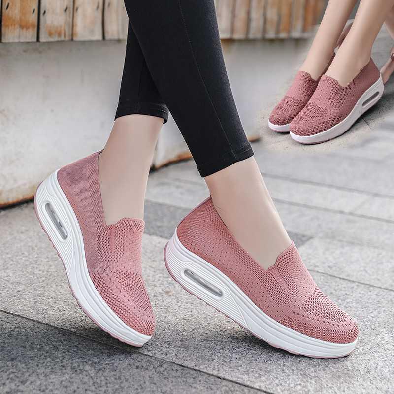 Femmes Wedge Chaussures de sport en plein air coussin d'air Chaussures de sport légère respirante Fashion Slip-on Chaussettes Chaussures Femme Chaussures Swing