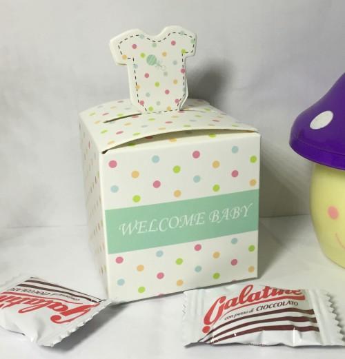 (50Pcs / Lot) 2017 Neueste reizend gepunkteten layette Baby Shower Party Favor für Baby-Geburtstag-Geschenk-Box und Baby Andenken Pralinenschachtel