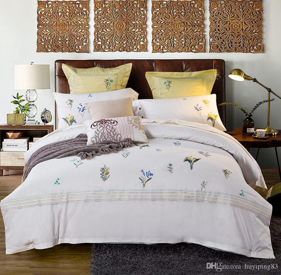 Cobertura de edredão de algodão egípcio conjunto rei Queen size 4 pcs branco conjuntos de cama bordado luxo cor sólida lençóis folha de cama linho fronha