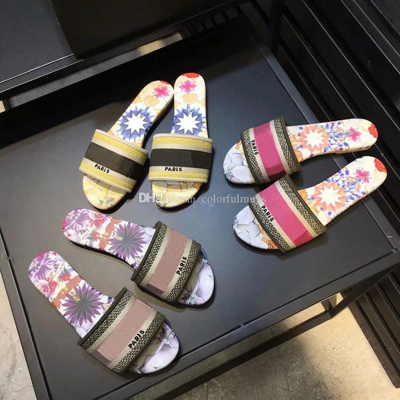 Moda Marka Kadınlar Terlik Kişilik Kız Açık Plaj Ayakkabı Kadın Ana Sandaletler için mektup Nakış Sandalet