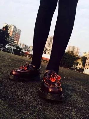 Sıcak Satış-büyük numara ayakkabı hakiki deri eski okul mokasen moda erkekler kadınlar püsküller makosenler İngiltere üst kadın oxford zy952 yassı