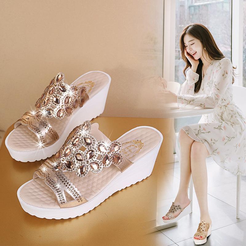 los zapatos de las mujeres de gran tamaño de 2020 modelos de explosión de verano nueva cuña rhinestones 34-44 sandalias sandalias de tacón alto de las mujeres