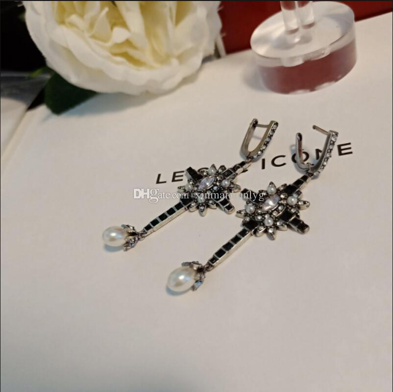 Best selling new ladies with stamp high quality letters black and white rhinestone earrings jewelry fast delivery