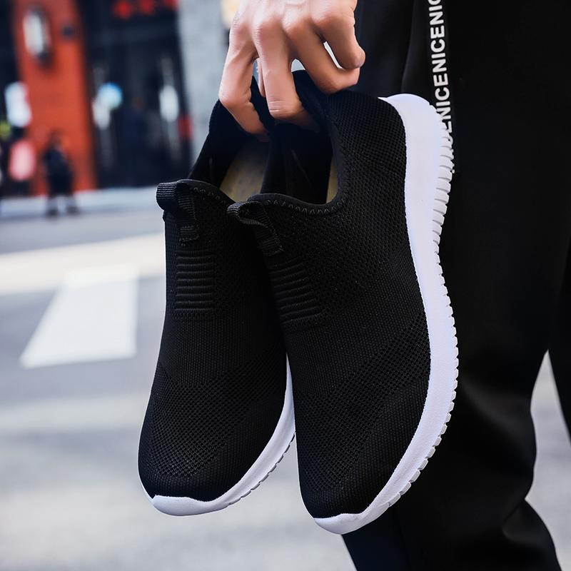 Homemade brand Fashion womens mens running shoes black white Navy blue Laceless mens trainers Slip on sports sneakers Made in China 39-44