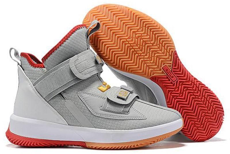 2020 nueva llegada de Lebron Soldado 13 XIII zapatos de baloncesto de los hombres bajos de negro de alta Soldados Rojo gris hielo de primera calidad 13s niño de las zapatillas de deporte Deportes