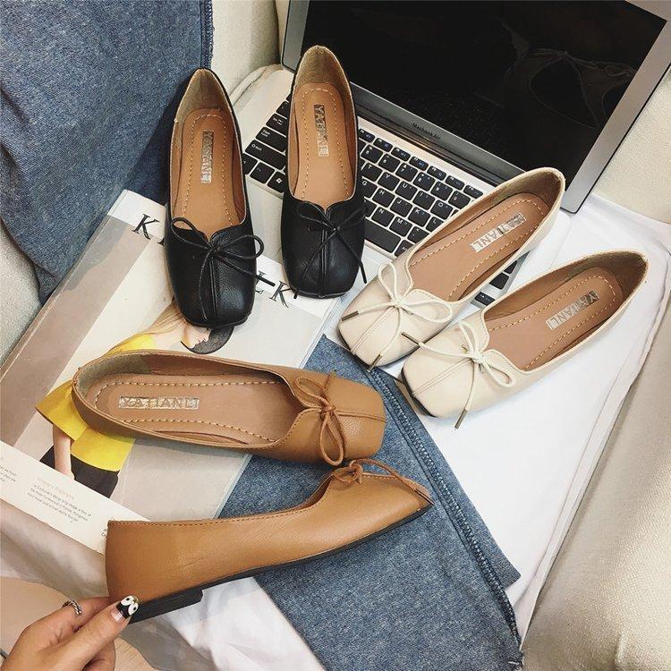 Seksi 2019 Sonbahar Desen Düz Tabanlı Tek Ayakkabı. Yay Kare Sığ Ağız Büyükanne Ayakkabısı Rahat Doug Kadın Ayakkabısı