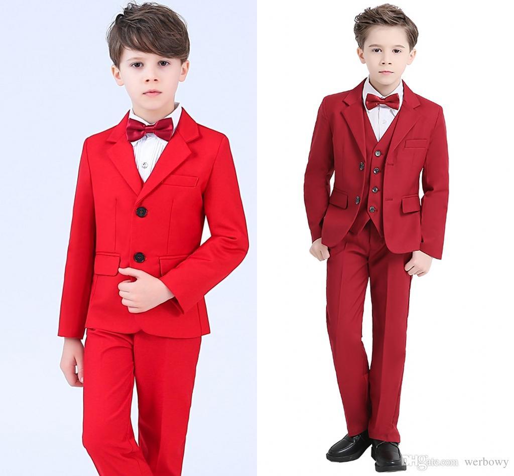 Sıcak Kırmızı Erkek Örgün DurumTuxedos Çentik Yaka Iki Düğme Merkezi Havalandırma Çocuklar Düğün Smokin Çocuk Takım Elbise (ceket + Pantolon + Papyon + Yelek)
