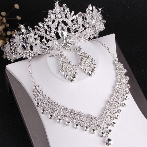 En çok satan high-end gelin düğün taç kolye küpe üç parçalı set tasarımcı beyaz kristal el yapımı ince zanaat ücretsiz kargo