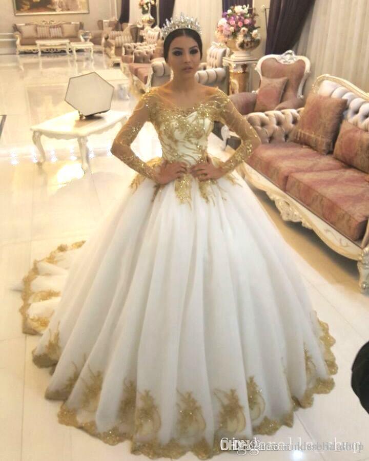 Compre Vestidos De Novia Blancos Y Dorados Escote Redondo De Manga Larga Con Cordones Volver Apliques Brillantes Vestido De Novia Vestidos De Novia