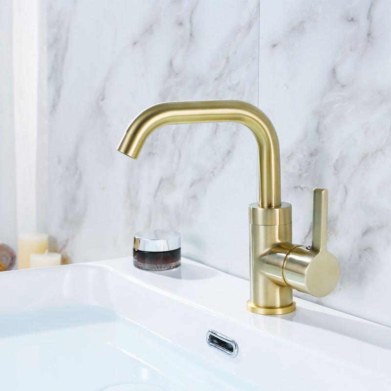 Ouro escovado e Latão Preto Banheiro Torneira Da Bacia Torneira Misturadora de Água Rotativa Único Titular Deck Montado