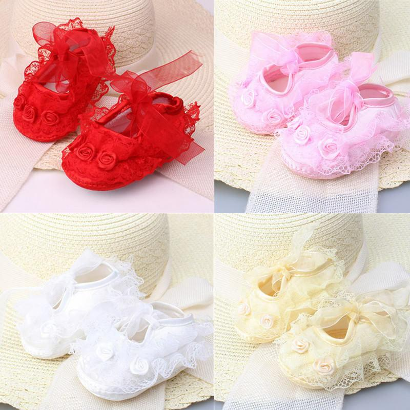 Nouveau Bébés Filles Nouveau-Né En Satin De Baptême Floral Dentelle Crochet Semelle Souple Chaussures Princesse Enfants Infantil Coton Crèche Chaussures Prewalker