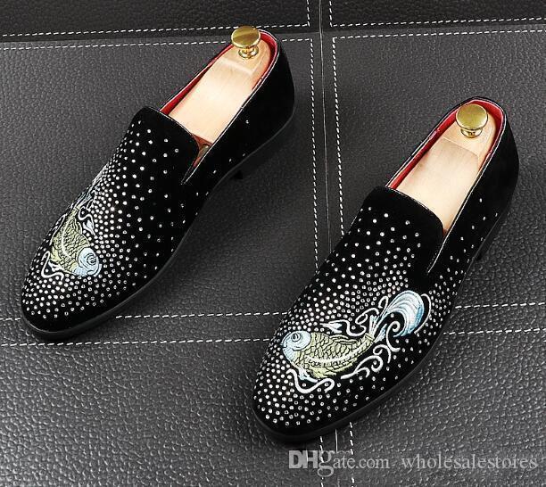sapatos de casamento clássico vestido sapatos masculinos Rhinestone Goldfish homens bordados vestir apartamentos sapato escritório para o sexo masculino