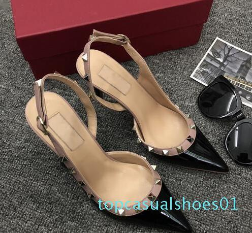 Designer Sapato de bico fino com Studs saltos altos genuína rocha de couro rebites Sandals Mulheres enchida com Tiras Dress Shoes sandálias bombas + T01 caixa