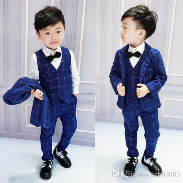 (brasão + calça + Vest) Meninos Roupas Define cavalheiro ternos formais azul Malha Criança Vestuário Boy Sets Ternos de casamento Conjuntos 3set