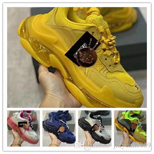 Moda Paris 17FW Ayakkabı Erkekler Kadınlar Bej Siyah Spor Tennis 0d62 Yeşil Kırmızı Bej Siyah Sarı Pembe Casual ayakkabılar baba Ayakkabı Triple-S