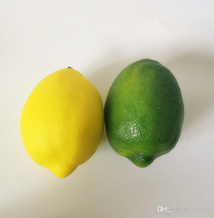 100PCS 인공 과일 시뮬레이션 녹색 / 노란색 레몬 모델 장난감 보통 크기 장식 웨딩 소품 홈 장식을 쏴