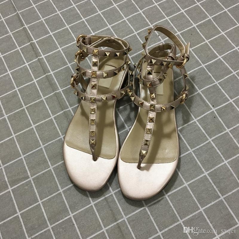 Designer de Flip Flops Moda Feminina Designer Sandálias New Arrival Venda Quente Rebites Estilo Clássico Qualidade Sandália tamanho 35-41