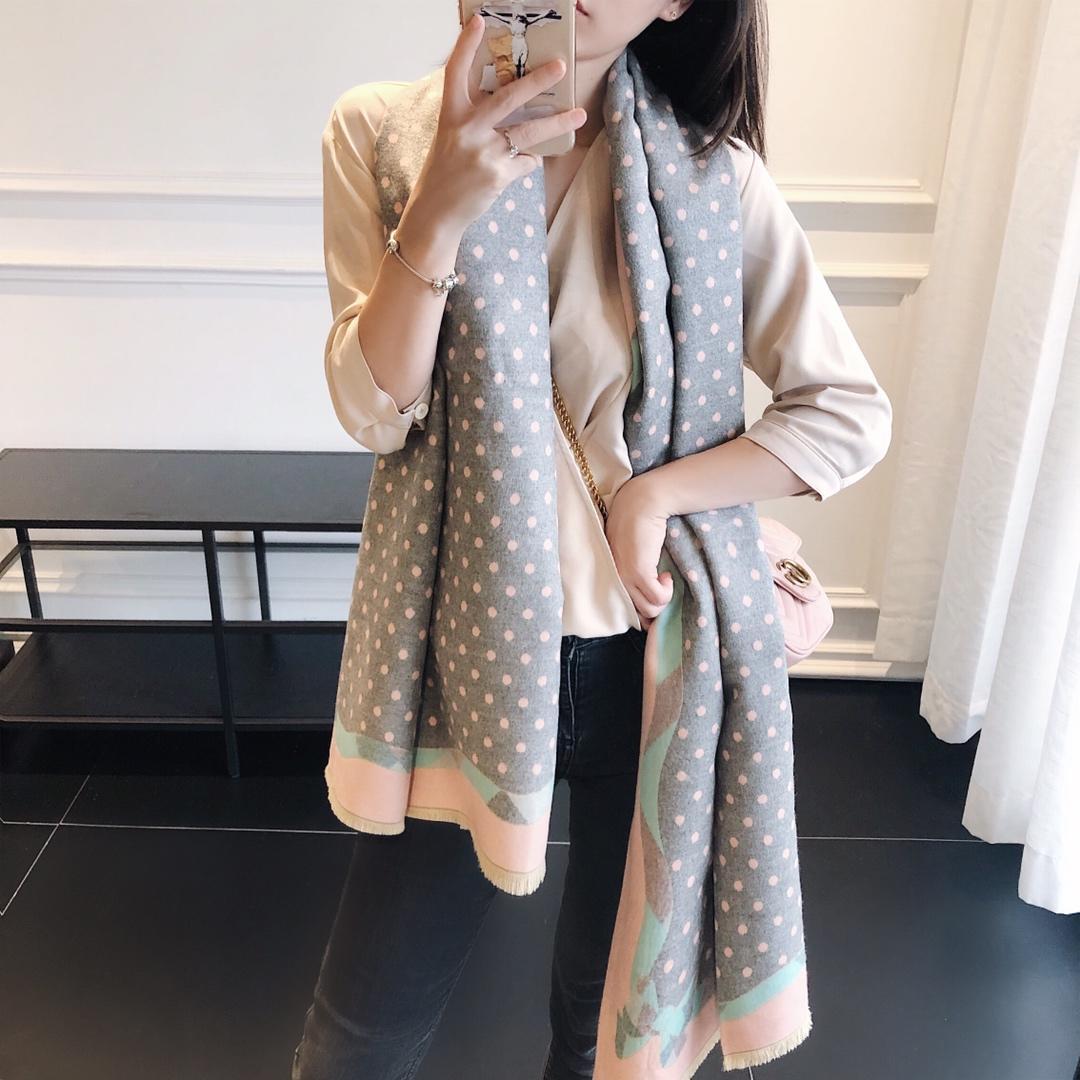 Desenhador de moda Designs European Style Bohemian e forma do americano New Style, mulher de alta qualidade macia Cashmere Scarf Livre de Freig