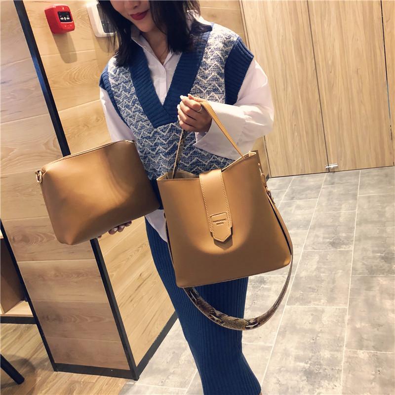 Nouveau style Street Fashion version coréenne tapota East Gate deux pièces Seau Sac simple épaule Slant Cross Sac de femmes portables