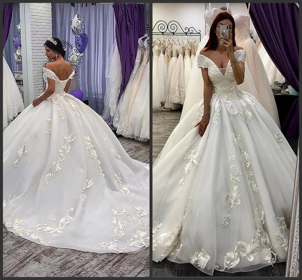 2020 Nouvelle robe de bal de mariage Robes Encolure Tulle Robes de mariée avec Appliqued balayage train Corset Retour robe de mariée blanche Plus Size