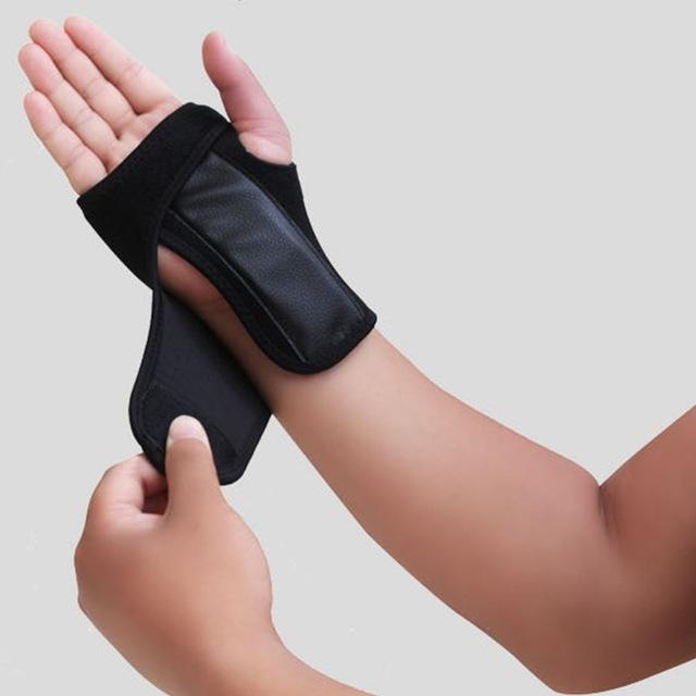 Tirantes Apoyos 1PCS de la muñeca de la mano la ayuda del apoyo de la banda del túnel carpiano férula artritis esguinces Negro Derecha / Izquierda # 248707