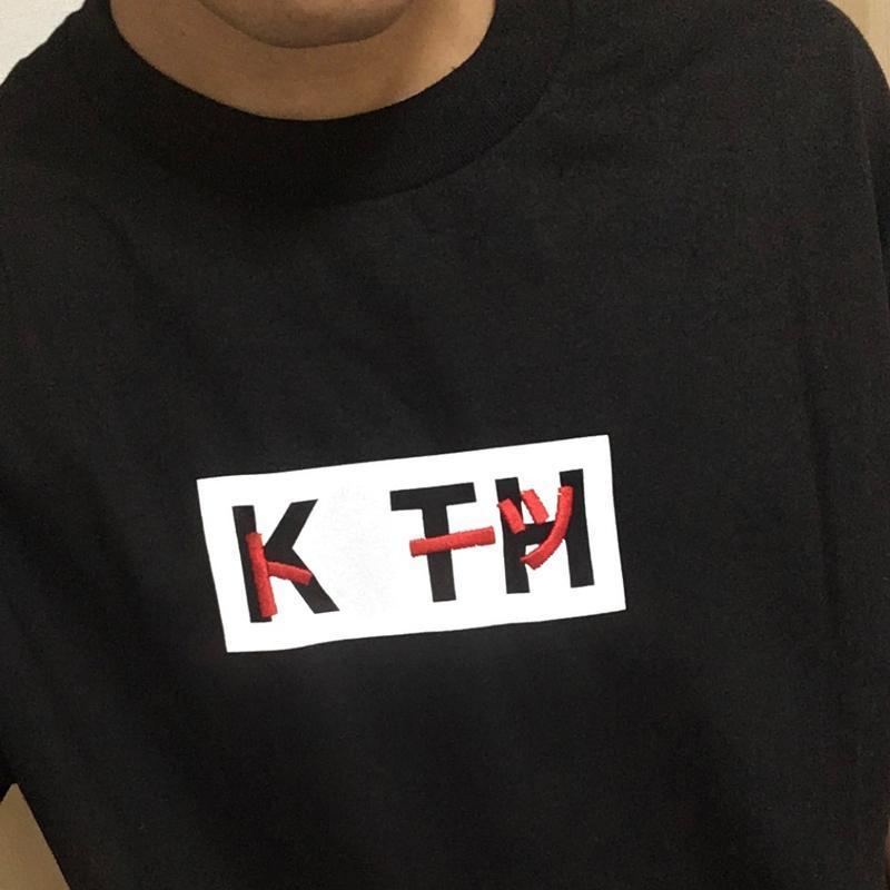 Carta clásico 20FW Impreso camiseta del color sólido ocasional simple camiseta de manga corta de verano mujeres de los hombres de la calle tee HFYMTX675