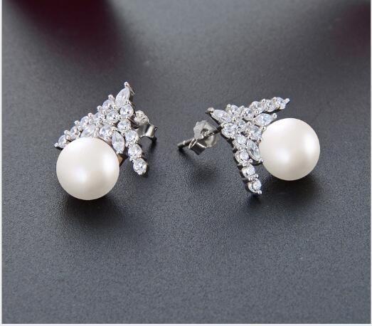 Toptan moda akımı yaratıcı küçük taze inci küpe S925 gümüş elmas şapka zirkon küpe bayanlar earrings419