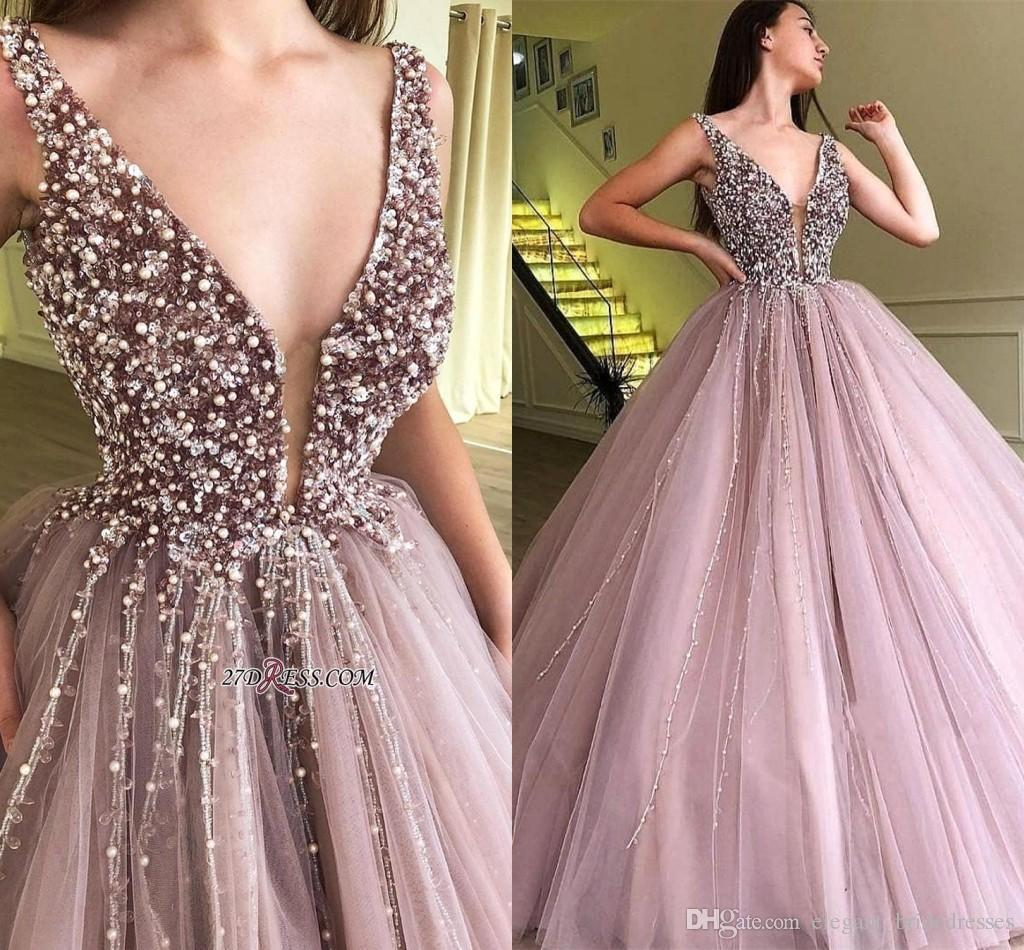 2019 nouveaux robes de bal plongeantes avec col en V et cristaux perlés Dusty Pink Tulle sans manches robes de soirée formelles portent des robes bon marché plus la taille
