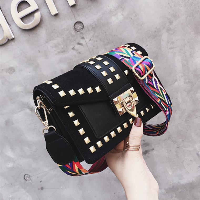 Женская сумка 2020 Новая мода маленькая квадратная сумка с заклепками Фея универсальная сумка на одно плечо курьерские сумки