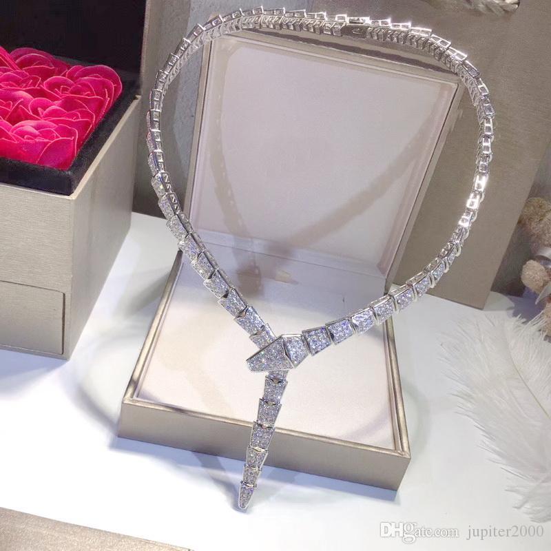Heiße Verkaufs-Art- und Weisedame Frauen Messing 18k vergoldet Einstellung voller Diamant-Schlange-Form Breite Kette Abendessen Ketten Schlange Skeleton Halskette