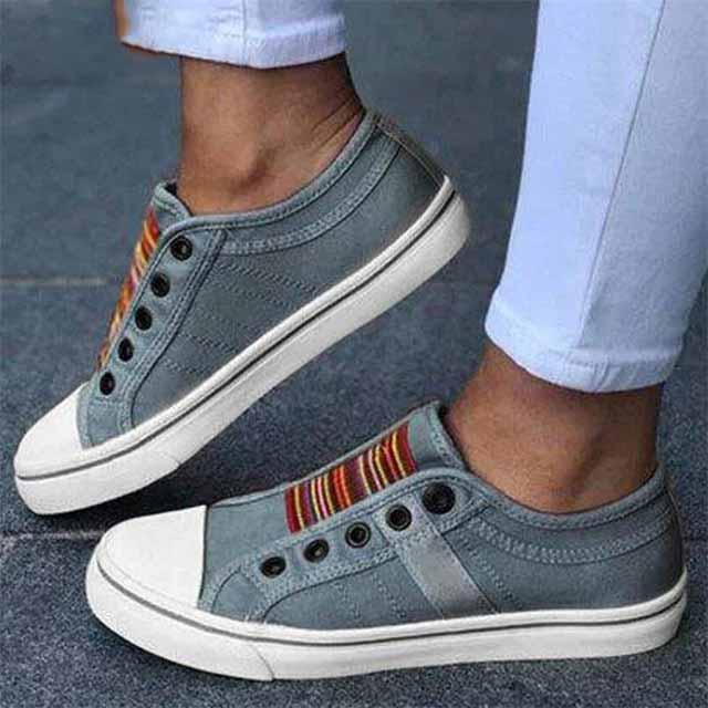Neue Frauen-Turnschuhe Leichte Wohnungen Sommer-runde Zehe beiläufige Schuh-flacher Beleg auf Turnschuhe Breathable Turnschuhe Frauen-Schuhe